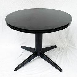 Bàn sofa tròn mặt gỗ cao su chân trụ tròn chia 4 TT68134